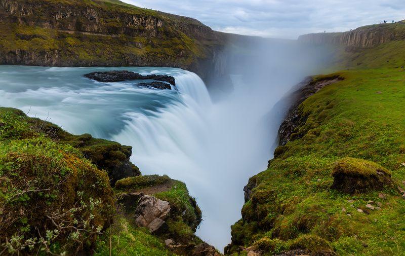 Gulfos waterfall-Icelandphoto preview