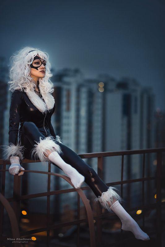 Черная кошкаphoto preview
