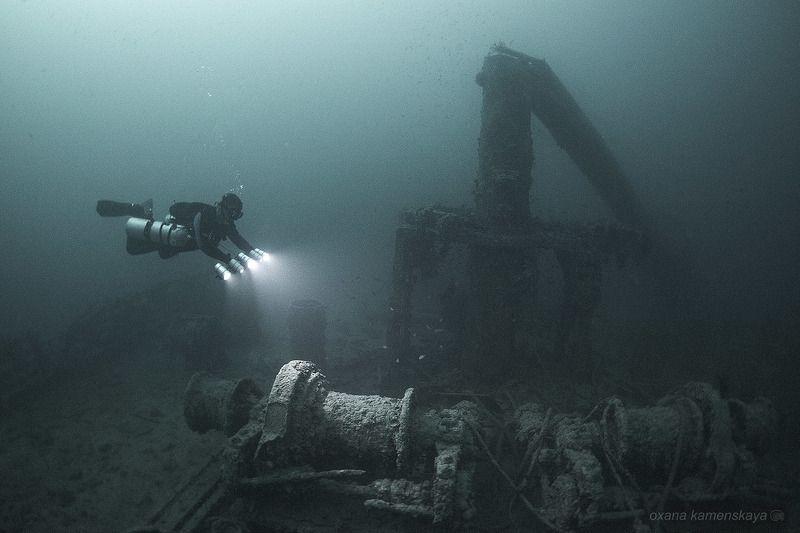 underwater wreck rosalie moller diver light  SS Rosalie Moller. Носовая сломанная мачта. photo preview