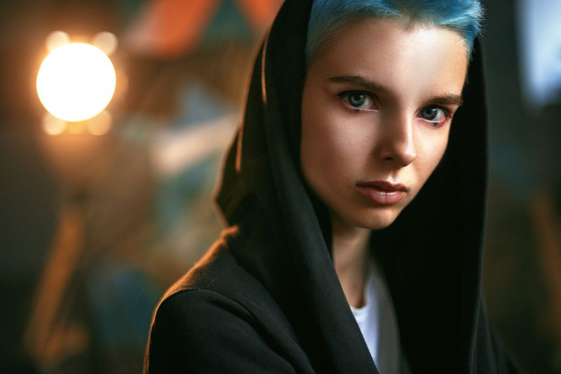 portrait, girl, people, color, eyes, light, девушка, studio, студия, портрет, head, свет, человек, эмоции, цвет, фотосессия,модель,красивая,молодая,прекрасная,взгляд,лицо photo preview
