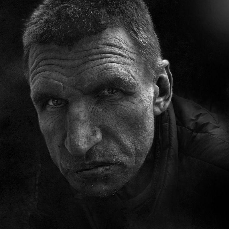черно-белое фото, портрет,уличная фотография судьба человекаphoto preview