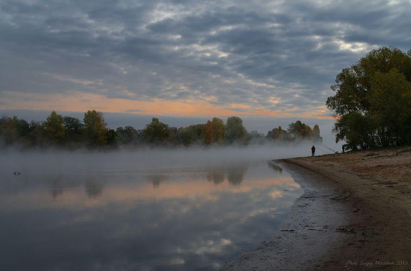 пейзаж, природа, река, октябрь осень, туман, утро, рыбак, украина, днепр, Утро на рекеphoto preview