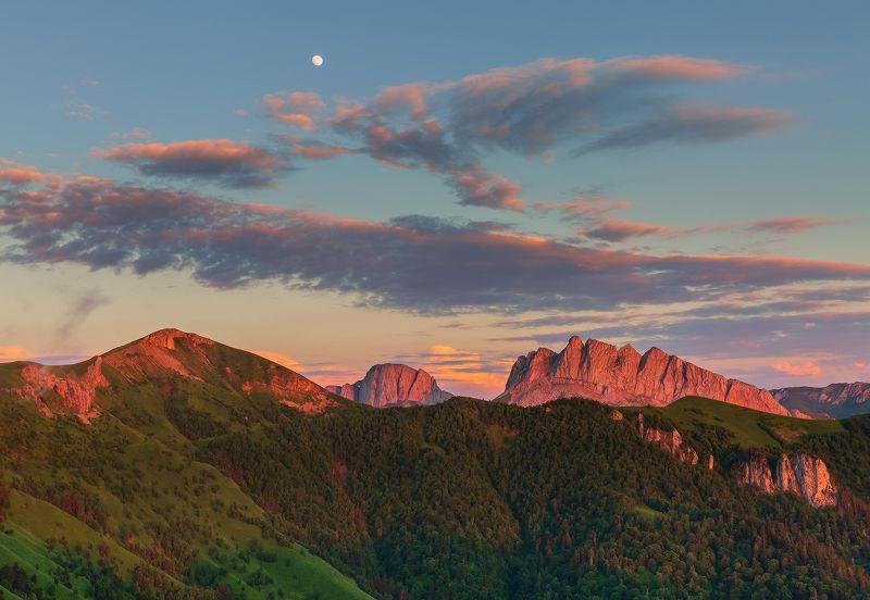 западный кавказ ачешбок асбестная багрянец закат луна июнь В багрянце закатаphoto preview