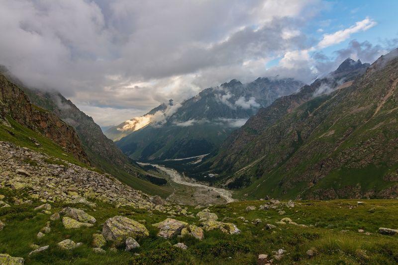 горы, облака, кавказ ночевала тучка золотая....photo preview