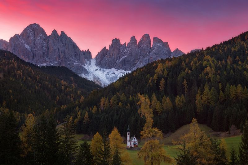 italy, sunrise, dolomites, santa maddalena, odle, val di funes, geisler, south tyrol, alps, италия, доломиты ***photo preview