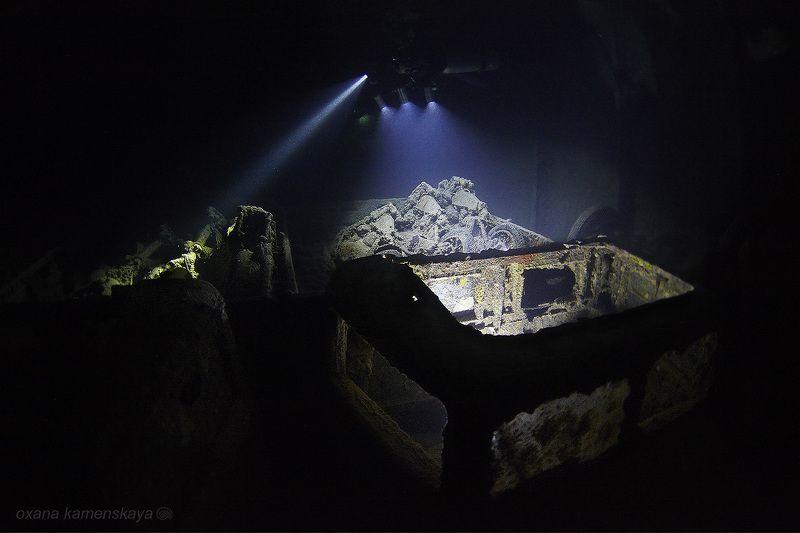 wreck thistlegorm underwater ship inside light flash SS Thistlegorm #3. Нижний ярус трюма.photo preview