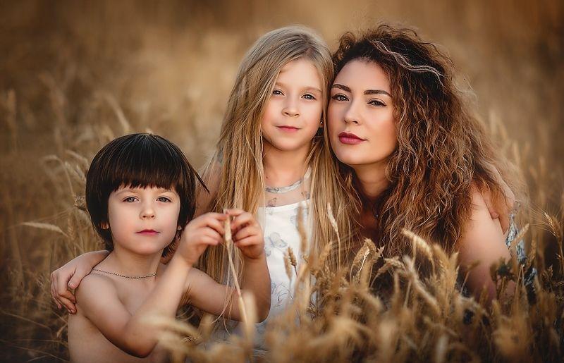 семья, портрет, семейный портрет, мама и дети, пшеница, семейное фото Семейный портрет!photo preview