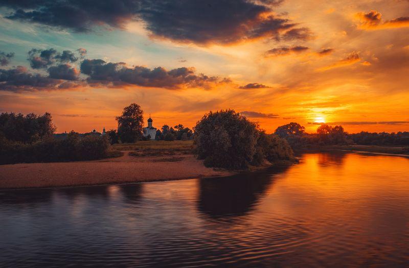 церковь, закат, река, лето Однажды, тихим вечером...photo preview