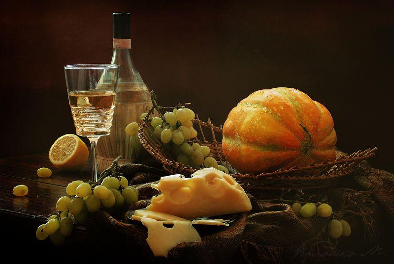 Натюрморт с белым вином и дынейphoto preview