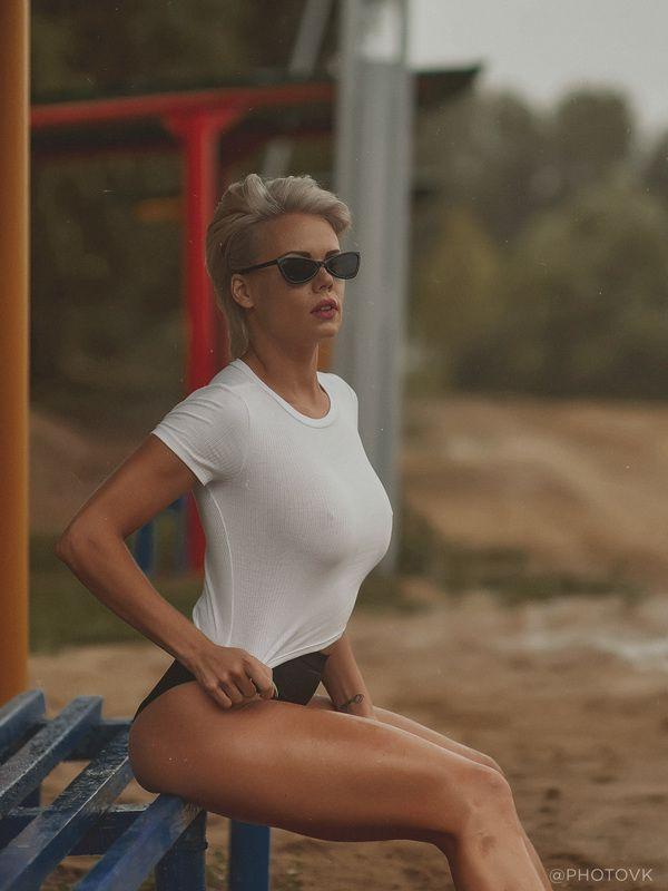 Девушка, пляж, лето Назад в 90photo preview