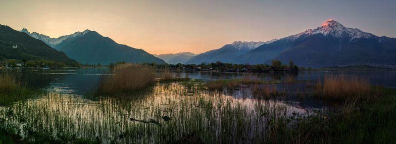 Рассвет на озере Комоphoto preview