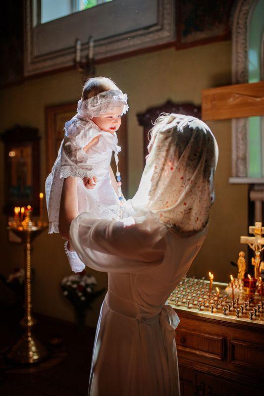 крещение, фотограф на крещение спб, таинство крещения, фотограф спб, таинство, дети, ребенок, малыш, девочка, таинство крещения, крещение ребенка, церковь, храм, крестины Крещение Юлииphoto preview