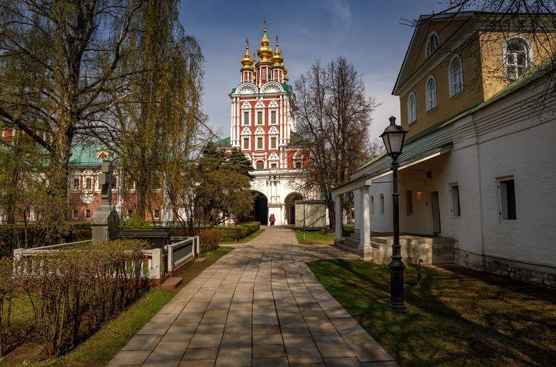 на территории новодевичьего монастыря * * *photo preview