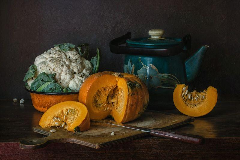 натюрморт, тыква, цветная капуста, чайник С тыквой и цветной капустойphoto preview