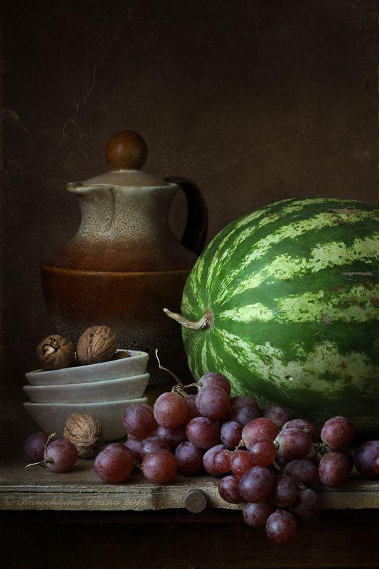натюрморт, арбуз, виноград, кувшин, лимон Про арбузphoto preview