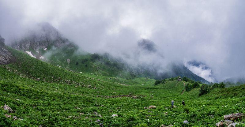 Средь гор и облаковphoto preview