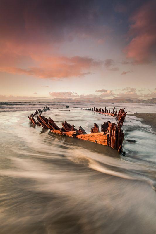 BOAT,WRECK,IRLEAND,OCEAN Sunbeam IIIphoto preview