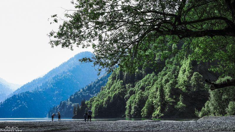 абхазия, рица, озеро, вода, горы На озере Рицаphoto preview