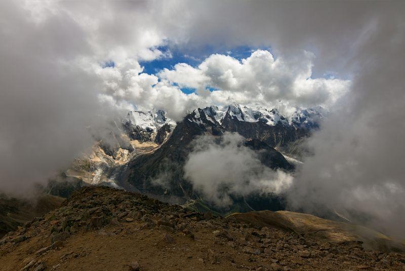 горы, облака, кавказ вокруг тебя весь мир кружит....photo preview