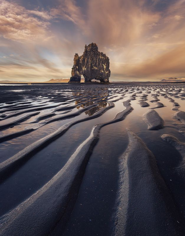 Каменный слонphoto preview