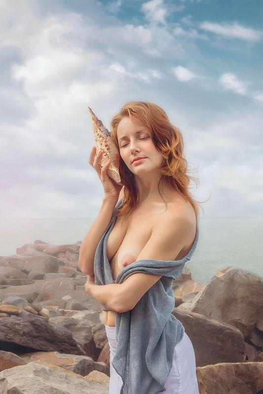 девушка модель ню грудь красиво раковина море небо обнаженное тело Звуки моря (Sea sounds)photo preview