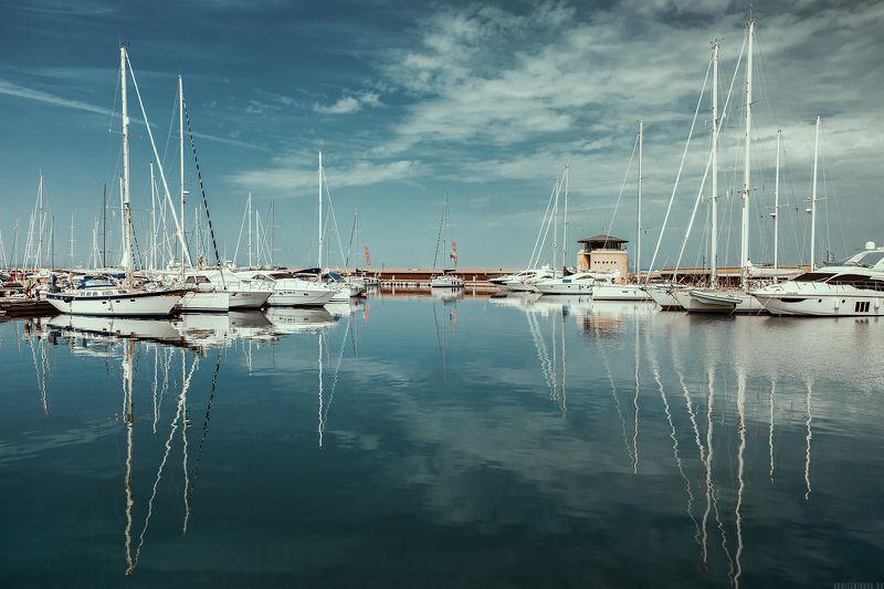 яхтинг, путешествие, яхта, море, лето, пейзаж, travel, yachting, italy, italia, morning, nature, traveling, summer, sailing Зеркальная маринаphoto preview