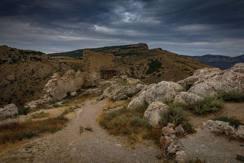 развалины старой крепости чембало в балаклаве. крым. * * *photo preview
