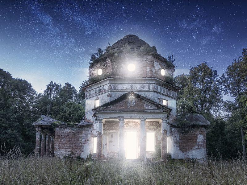 вера,природа,православие,россия,ночь,пейзаж,новаяромановка,восстановимвместе И озарился светом храмphoto preview