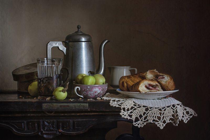 натюрморт, чайник, чай, яблоки, сдоба Яблочный чайphoto preview