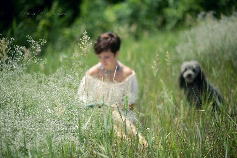 пюдель, девушка, природа Собачья преданностьphoto preview