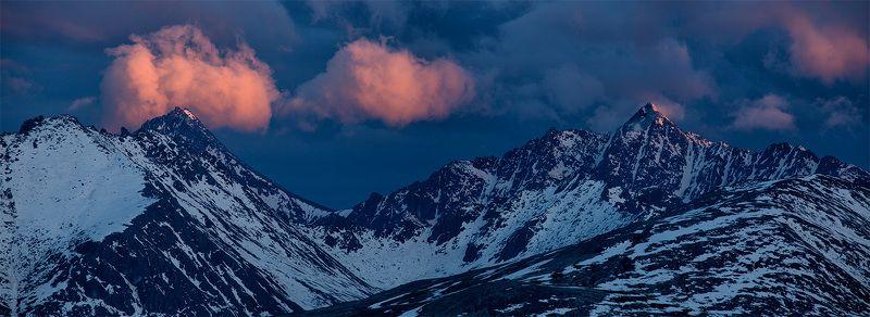 горы, закат, облака, снег, вечер, колыма, цвет, синий, красный Ночевала тучка золотая...photo preview
