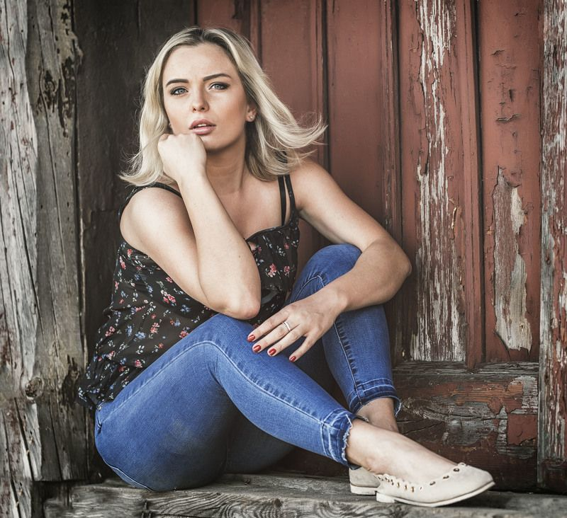 Country Girlphoto preview