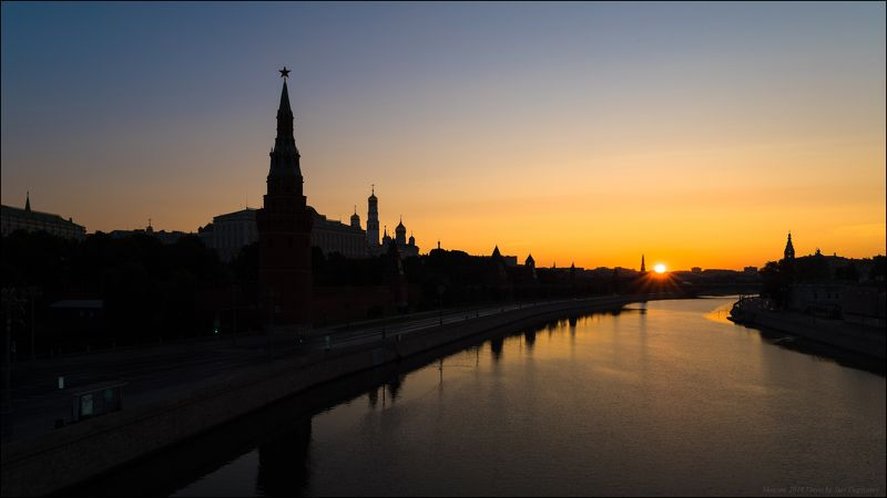 город, Москва, Московский, Кремль, река, силуэт, рассвет, солнце Москва. Рассвет у стен древнего Кремля.photo preview