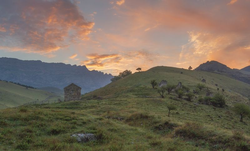 ингушетия,тхаба-ерды Рассвет над Тхаба-Ерды.photo preview