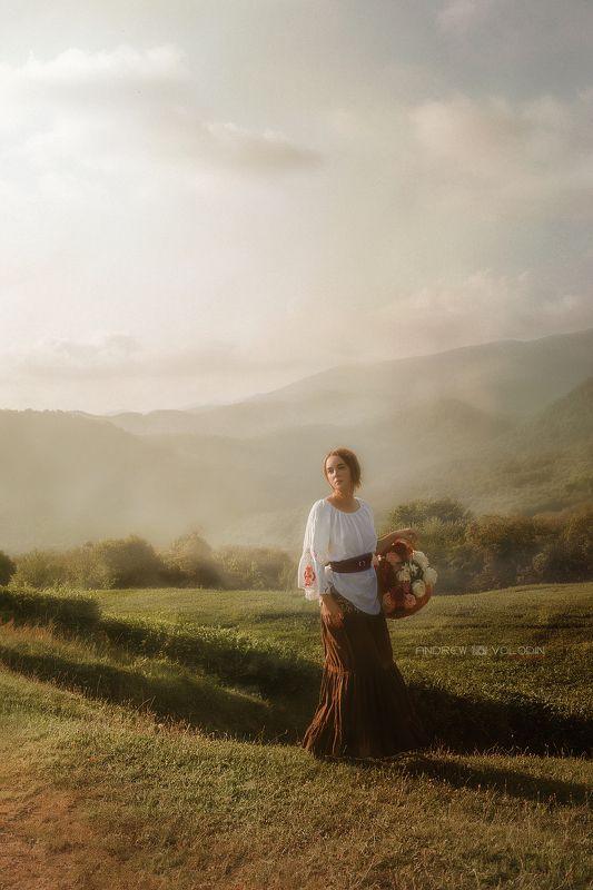 девушка цветы горы поле закат корзина красиво портрет природа чай Селянка (продолжение)photo preview