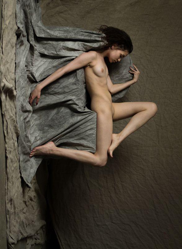 fine art nudes Этюд в грязных тонах с попыткой воспарить над реалиями.photo preview