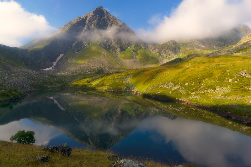 Утро на горном озереphoto preview