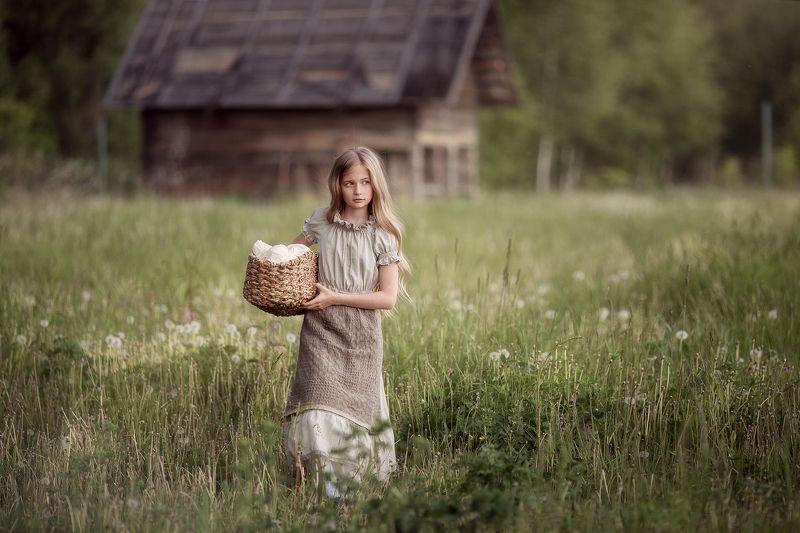 деревня, белье, дети, девочка, дом Хлопотыphoto preview