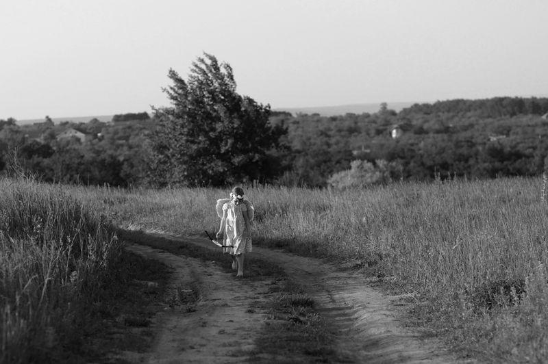 черно-белое, жанр, девочка ангел Ангел счастьяphoto preview