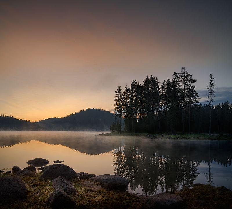 landscape, nature, sunrise, morning, утро, пейзаж, озеро, rocks, coastal, coast, beach, lake, long, exposure, scenery, reflections A promising beginningphoto preview