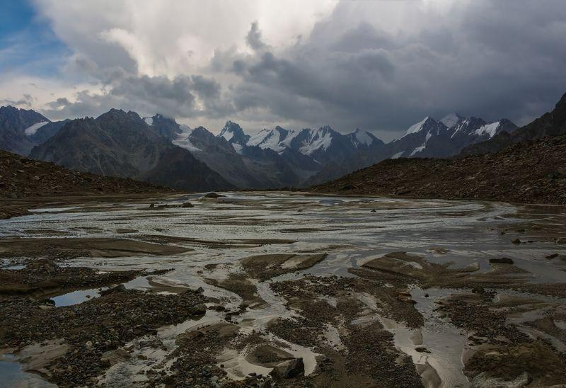 горы, облака, кавказ хребтов далеких снежные вершины...photo preview