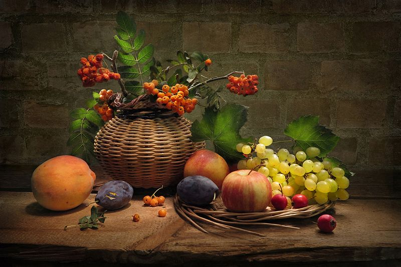 яблоки,виноград, рябина,сливы,персик Осеннийphoto preview