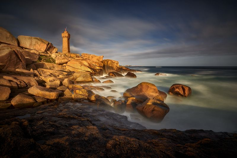 Perros-Guirec, Ploumanach,  red rocks,Brittany, France Red rocksphoto preview