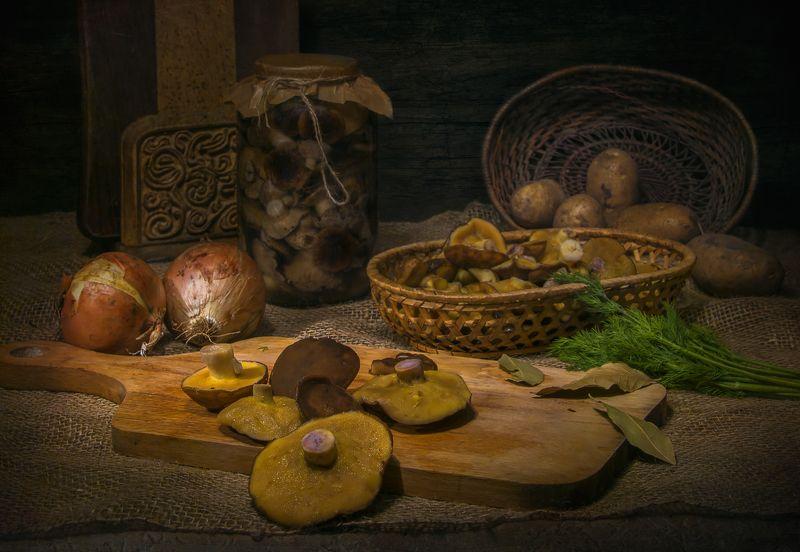 грибы,картошка,лук,загтовки, натюрморт После дождичка в четвергphoto preview