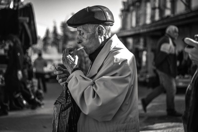 georgia telavi street smocking грузия телави дедушка курит Smocking oldman.photo preview