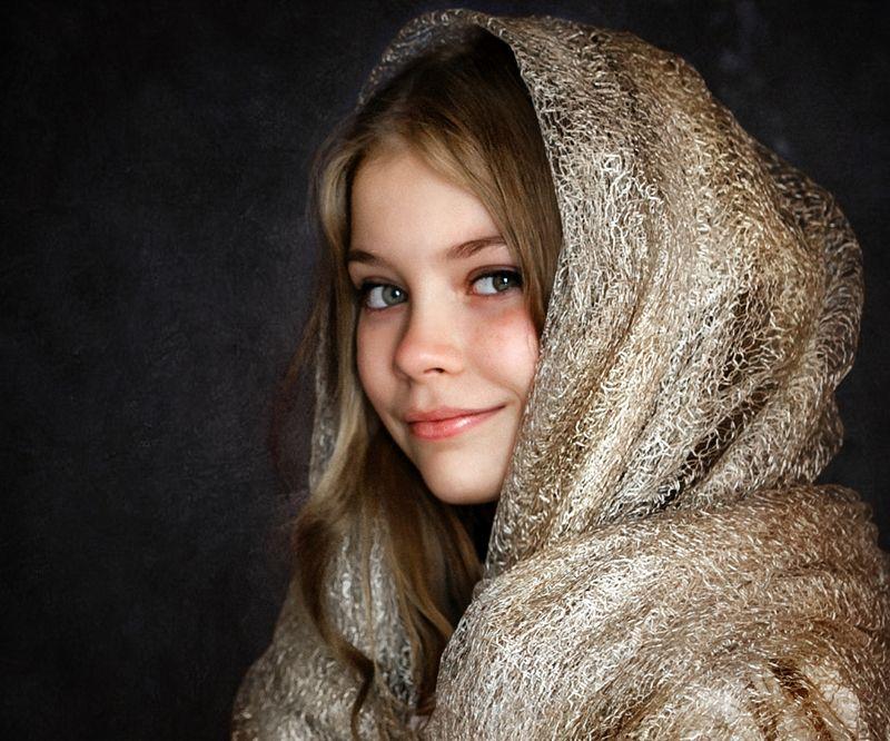 портрет, модель, девочка, улыбка, фон, студия, красивая, фотосессия  Дарьяphoto preview
