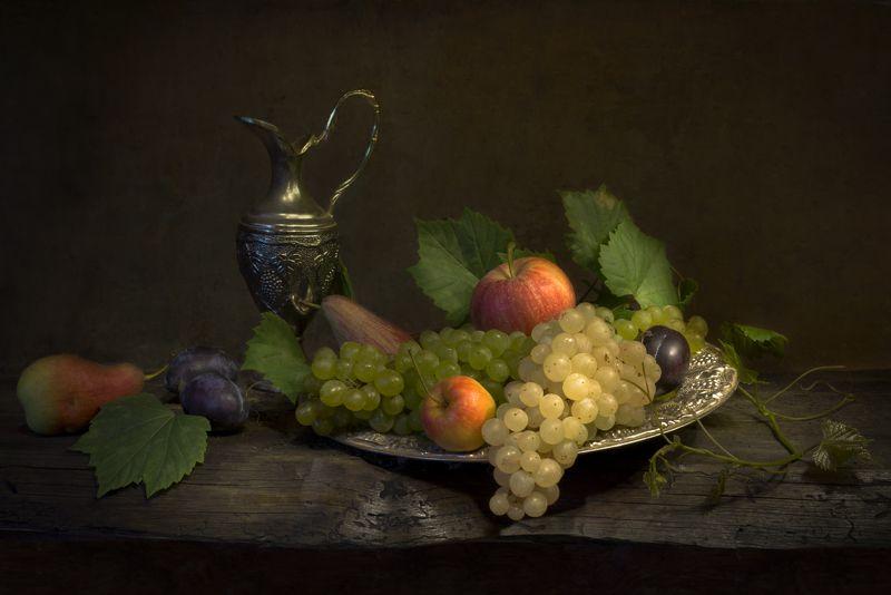 виноград,груши,сливы,кувшин,натюрморт Натюрморт с виноградомphoto preview