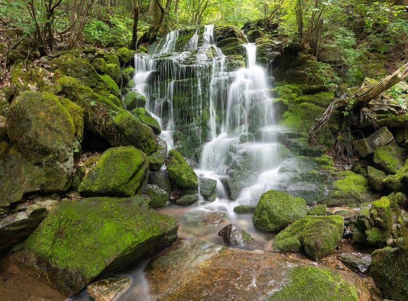 Outdoor, wasserfall, moss Mystical Cascadesphoto preview