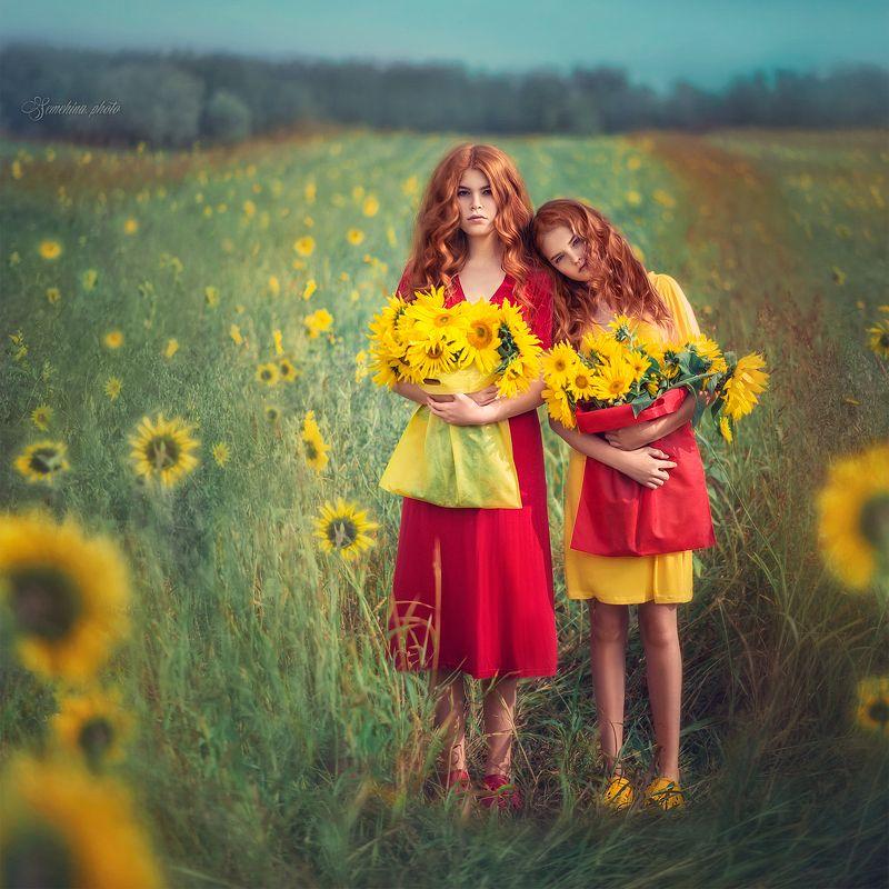 девушка, портрет, сестры, подсолнухи, красный, желтый, лето, girl, sisters, red, yellow, summer, sunflower photo preview