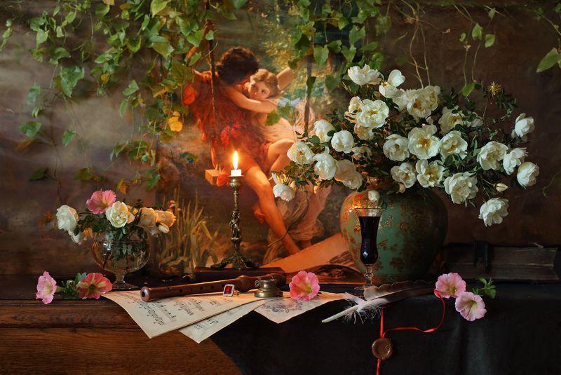 цветы, розы, картина, свет, натюрморт, свеча, музыка Натюрморт с цветами и картинойphoto preview